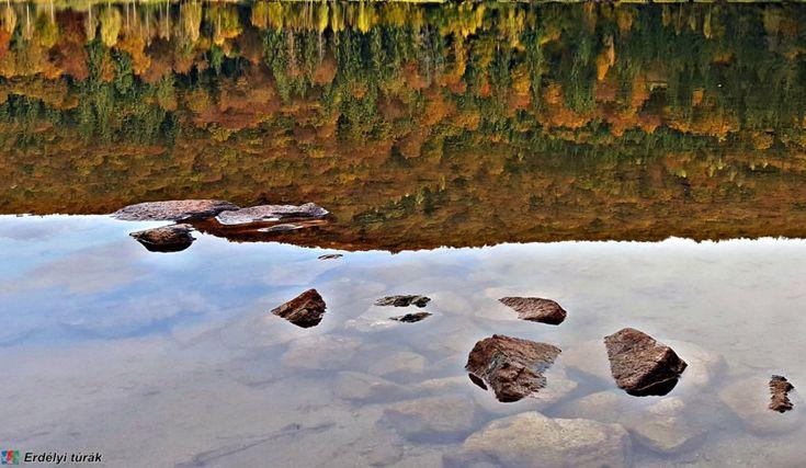 A Szent Anna tó ősszel