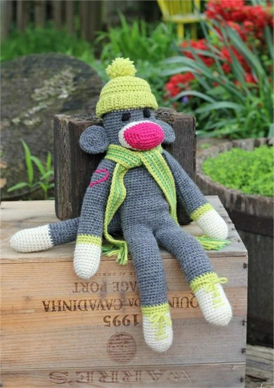Free Crochet Pattern Sock Monkey Slippers : 17 Best images about Crochet on Pinterest Free pattern ...