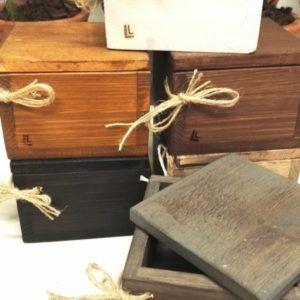 kannellinen pieni laatikko