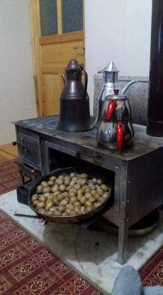 Eskiden sobada pişirirdik patatesi nede tatlı giderdi yanında sıcacık çayla