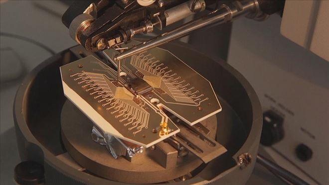 YENİ DÜNYA GÜNDEMİ ///  Kuantum bilgisayarlar 10 yıl sonra hayatımıza girecek