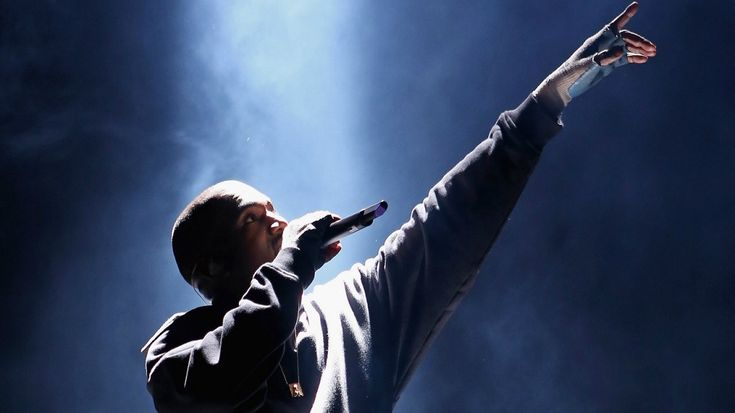 "Kanye West 'Saint Pablo Tour' Review from Vancouver - https://movietvtechgeeks.com/kanye-west-saint-pablo-tour-review-vancouver/-Currently, rapper Kanye West is in the midst of his ""Saint Pablo Tour,"" a tour devoted to his latest album The Life of Pablo. On Monday, October 17, 'Ye stopped in Vancouver to perform for fans at Rogers Arena."