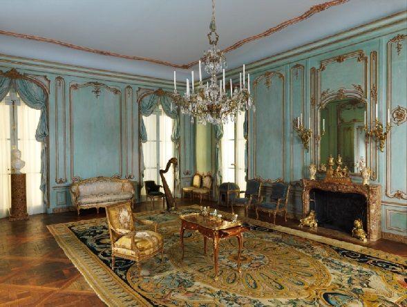 413 best images about lovely interiors on pinterest for Boiserie dwg
