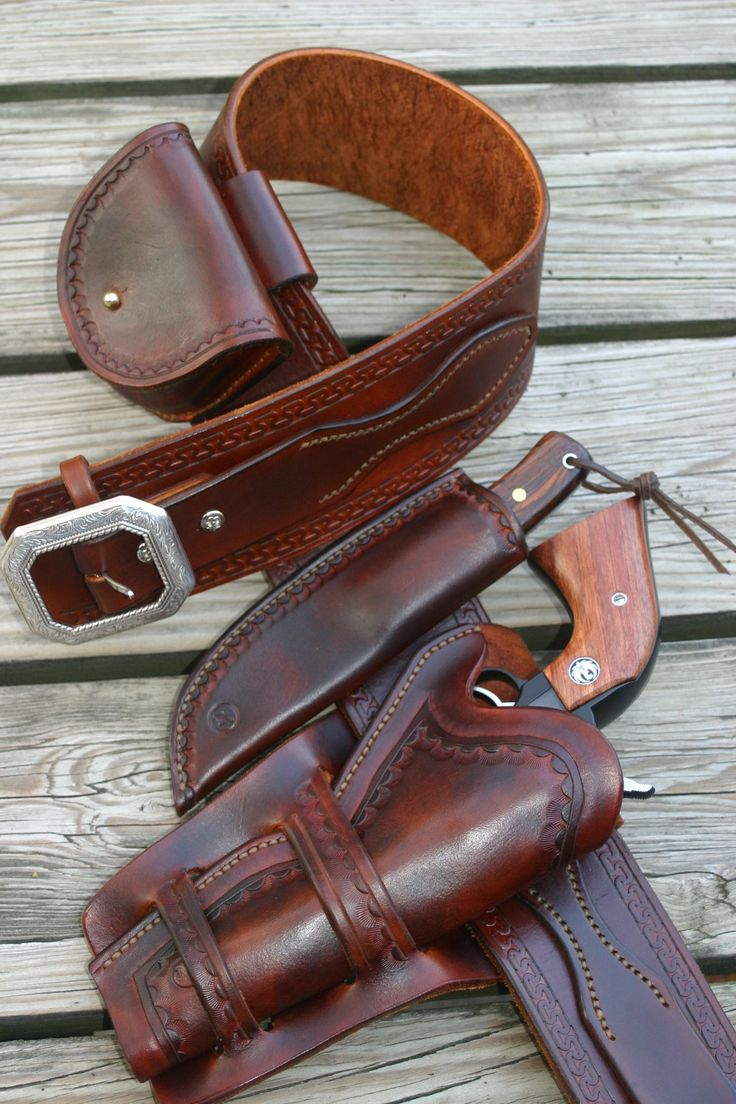 Beautiful gun leather from RG Leather
