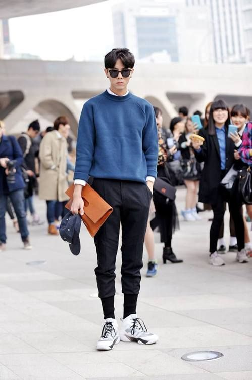 cool Streetstyle: Joo Woojae shot by Choi Seungjum at Seoul Fashion Week... by http://www.newfashiontrends.pw/korean-fashion-men/streetstyle-joo-woojae-shot-by-choi-seungjum-at-seoul-fashion-week/