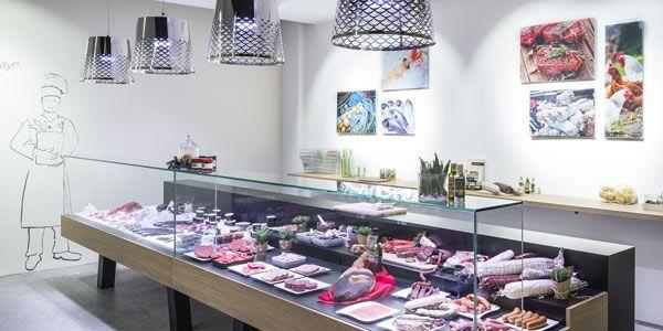 Nella nuova LightHouse predominano colori chiari, decorazioni moderne e l'attuale portafoglio prodotti con la tecnologia LED