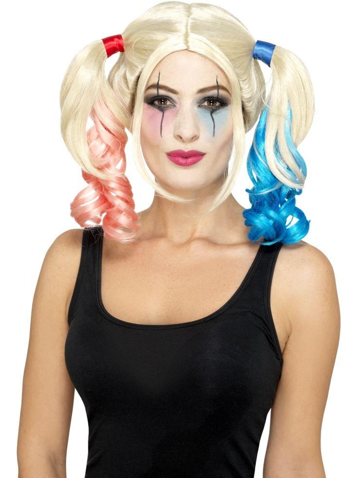Harley Quinn -peruukki II. Vaalea peruukki puna-sinisillä ponihännillä.