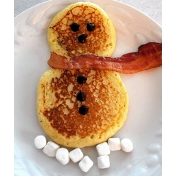 Christmas Morning Breakfast Idea: Snowman Pancakes and Bacon with Marshmallows for snow!