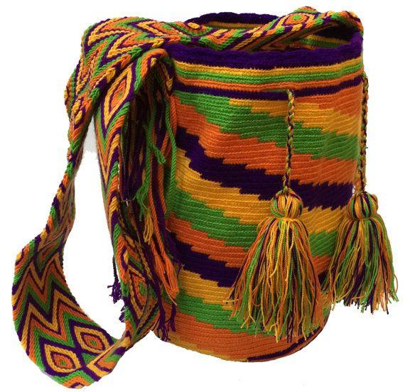 Handmade Wayuu Mochila Rayas Pattern Crossbody Bag por MuyPaisa