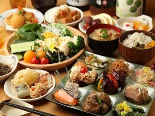 「まつたけ食べ放題」に今年は「まつたけスイーツ」も新登場!上野の和食ビュッフェ「大地の贈り物」にて『秋の松茸フェア』が9月1日(火)よりスタート|株式会社ダイヤモンドダイニングのプレスリリース