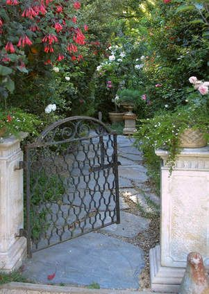 Garden gate – iron gate – low entry gate – flagstone walk – garden path