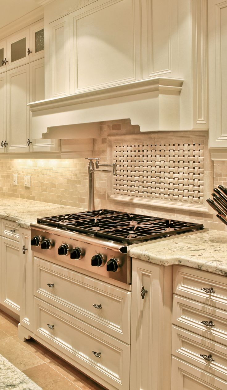 89 best classic kitchens images on pinterest kitchen remodeling kitchen renovations and kitchens Kitchen cabinets 75 off