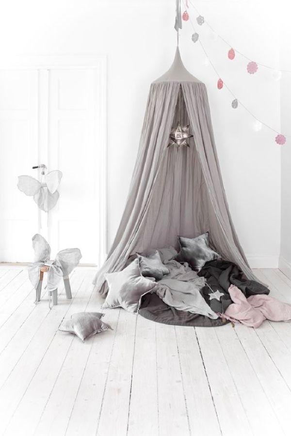 les 25 meilleures id es de la cat gorie ciel de lit fille. Black Bedroom Furniture Sets. Home Design Ideas