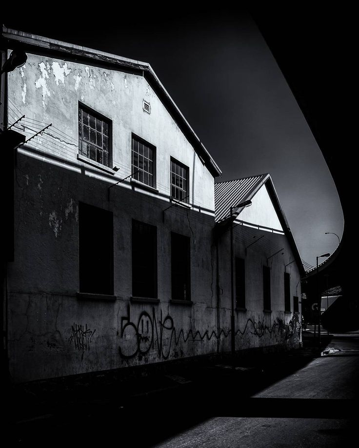 #blackandwhite #photography from the #streets of #maboneng in #johannesburg #southafrica #graffiti #shadows #buildings