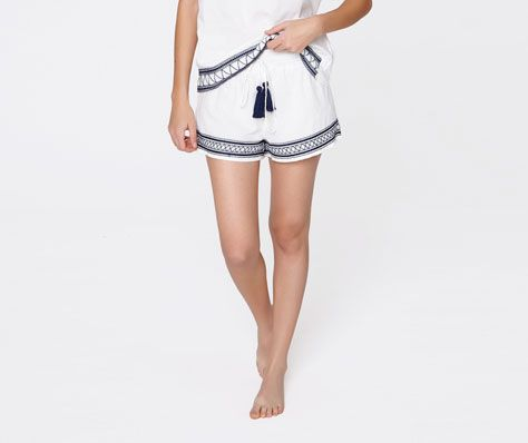 Shorts with border detail - OYSHO