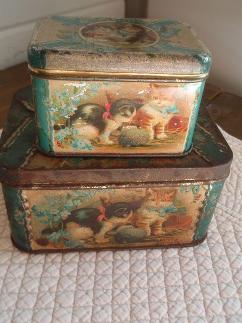 Vintage tins with kittens...