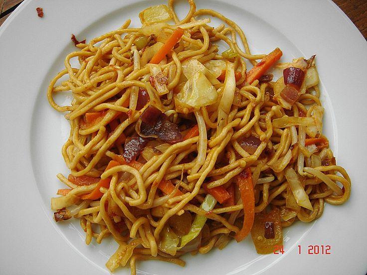 Gebratene Nudeln Asia Art, ein sehr schönes Rezept aus der Kategorie Geflügel. Bewertungen: 54. Durchschnitt: Ø 4,3.
