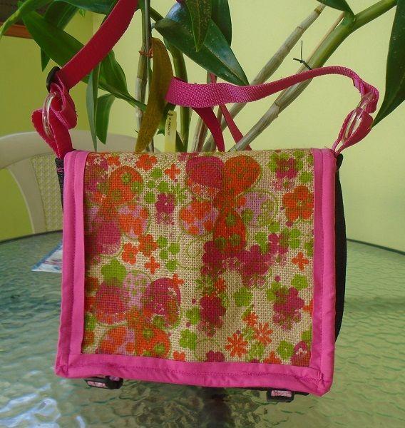 """cartera estilo mensajero medidad 8""""x10"""" estampado de saco floral cierre de clips  y mango sencillo largo"""