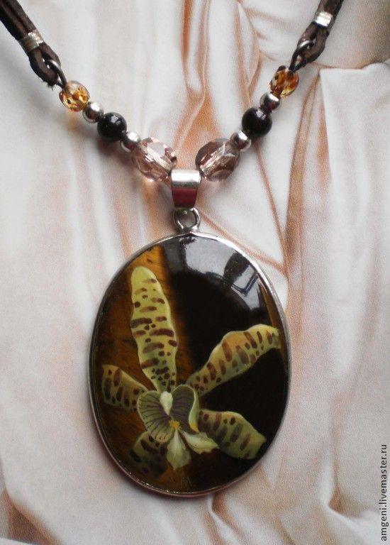 """Купить Кулон """"Орхидея"""" - оливковый, орхидея, пестрая орхидея, тигровый глаз, лаковая миниатюра"""