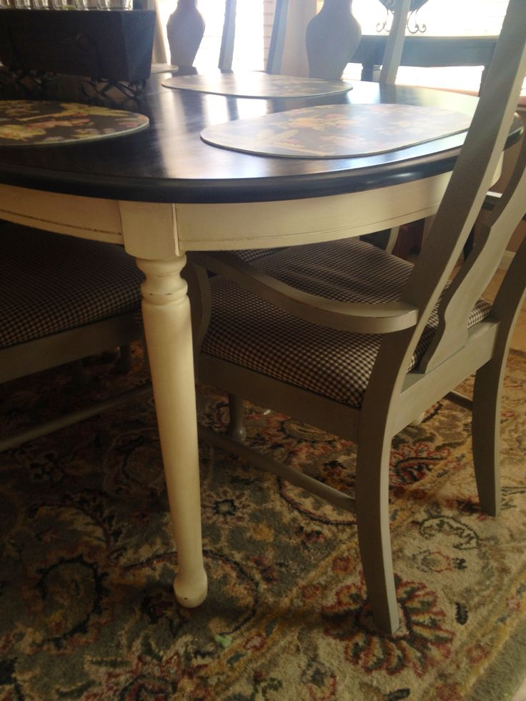 ASCP French linen chairs old white table