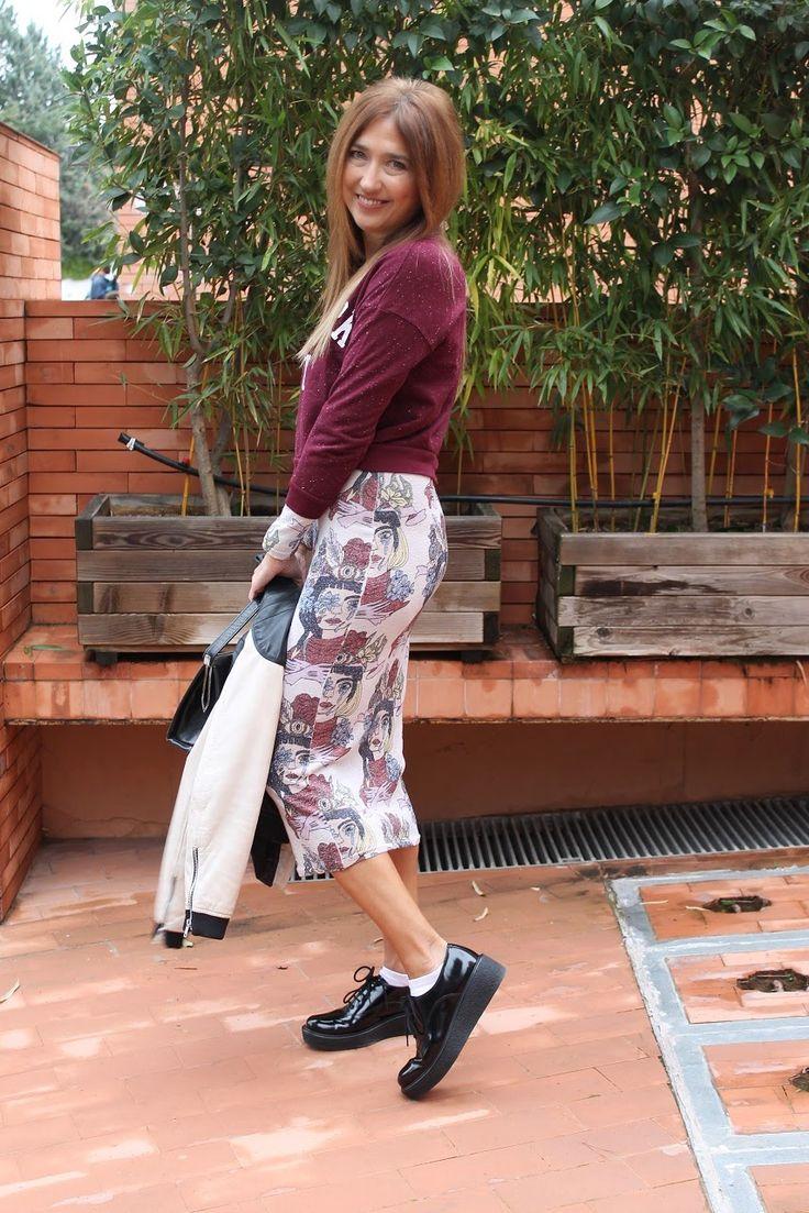 CarmenHummer con sus precioso zapatos #whatfor en @seraphita (http://www.seraphita.es/p/1411/black-lace-biker-boots) en su post de hoy www.carmenhummer.com #shoesadict #shoes #DeMiRollo #fashionblogger #streetstyle #cool #instashoes #complementos #cazamariposas #me #trendy #instyle #vogue #creepers #bimbaylola