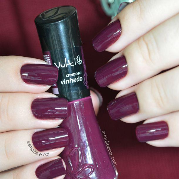 Oláaa minhas queridas leitoras!  Já faz um bom tempo que a Vult, nossa querida marca de até então, maquiagens, lançou sua primeira linha de ...