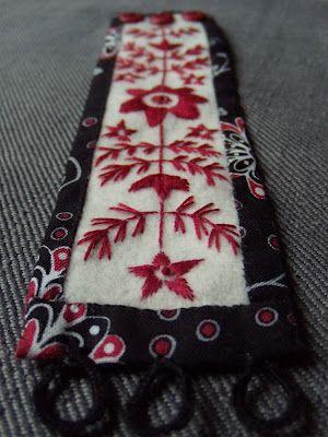 """bracelet in """"Anundsjösöm"""" - a special Swedish folk embroidery style"""