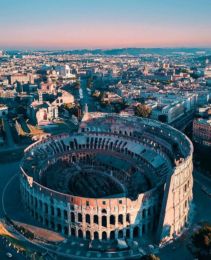 #colosseo #roma  #italy #italian @top.tags #toptags #italia #foto_italiane #travel #traveling #italyiloveyou #italianstyle #italygram #italytrip #sun #hot #love #ilove #instatravel #amazing #beautiful #italyfood #italianfood #italiano #instalife #tourism #gf_italy #colore_italiano #igersitalia #travelingram