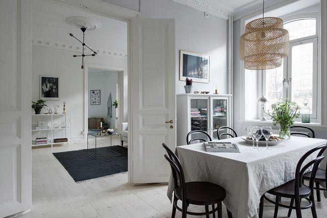 Tele az Internet gyönyörű lakásokkal, mindenki elájul tőlük, pedig mennyire egyszerű összrakni őket! Ennek a letisztult svéd lakásnak a...