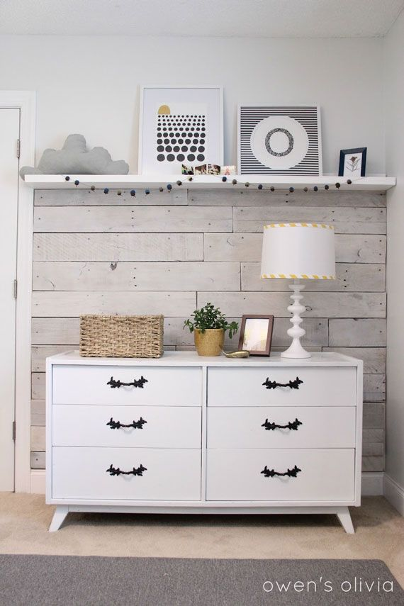 Love this rustic/minimalistic grey and white nursery