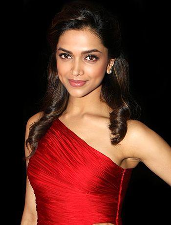 It was surreal for me to believe Arjun Kapoor has become an actor, says Deepika Padukone! - http://www.bolegaindia.com/gossips/It_was_surreal_for_me_to_believe_Arjun_Kapoor_has_become_an_actor_says_Deepika_Padukone-gid-36462-gc-6.html