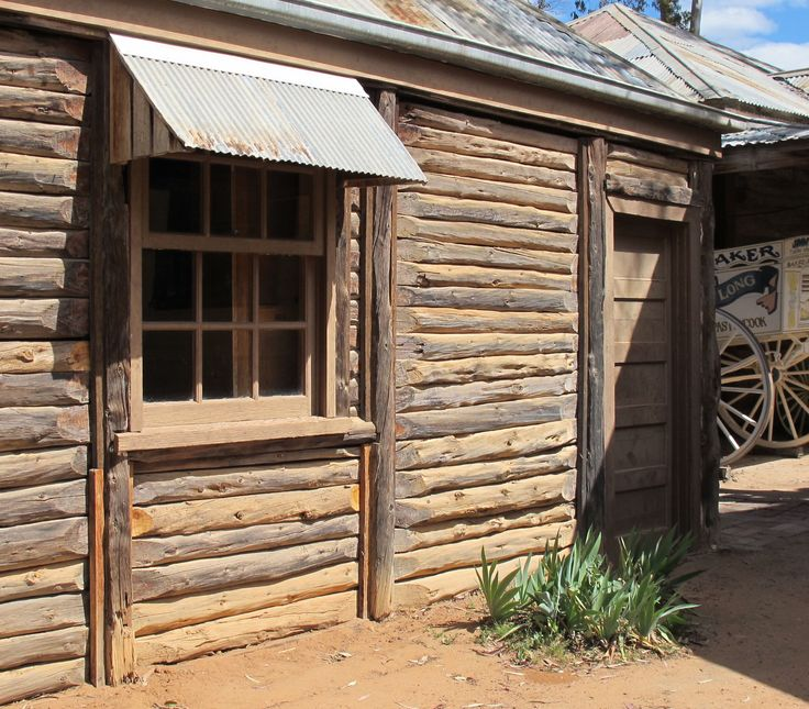 Early Mallee log house, Pioneer Settlement, Swan Hill, Victoria