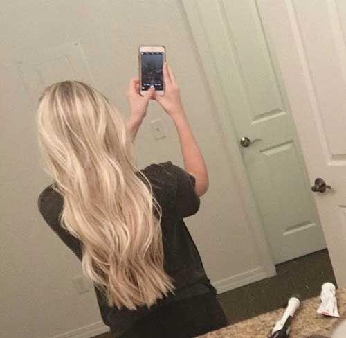 Wellenförmige lange Frisuren, die Frauen lieben