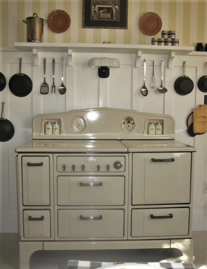 http://circaoldhouses.com/wp-content/uploads/2016/08/1936-Wedgewood-Gas-Range.jpg