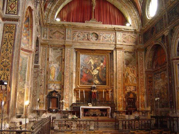 Interno della Chiesa di San Vittore con affreschi del Bernardino Luini, accanto a Villa Antona Traversi   Meda #brianzaville