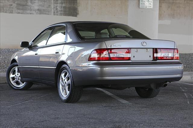 2001 Lexus ES300 (classic) Cars and Whatnots Lexus