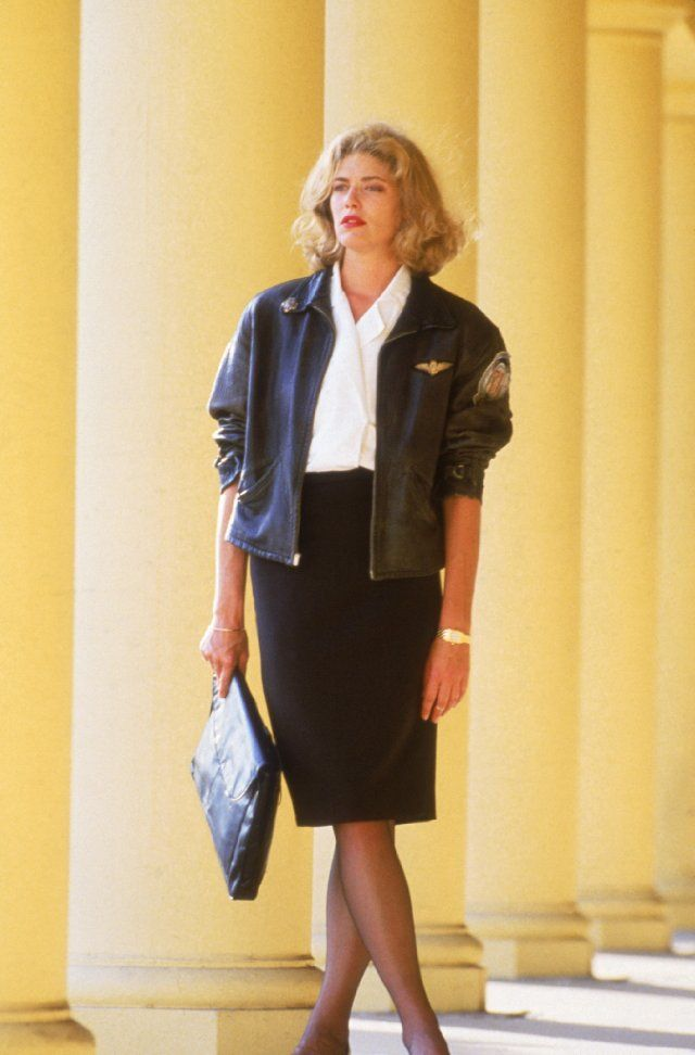 I don't know if I could ever pull this off, but I love the bomber jacket with the suit! #TopGun