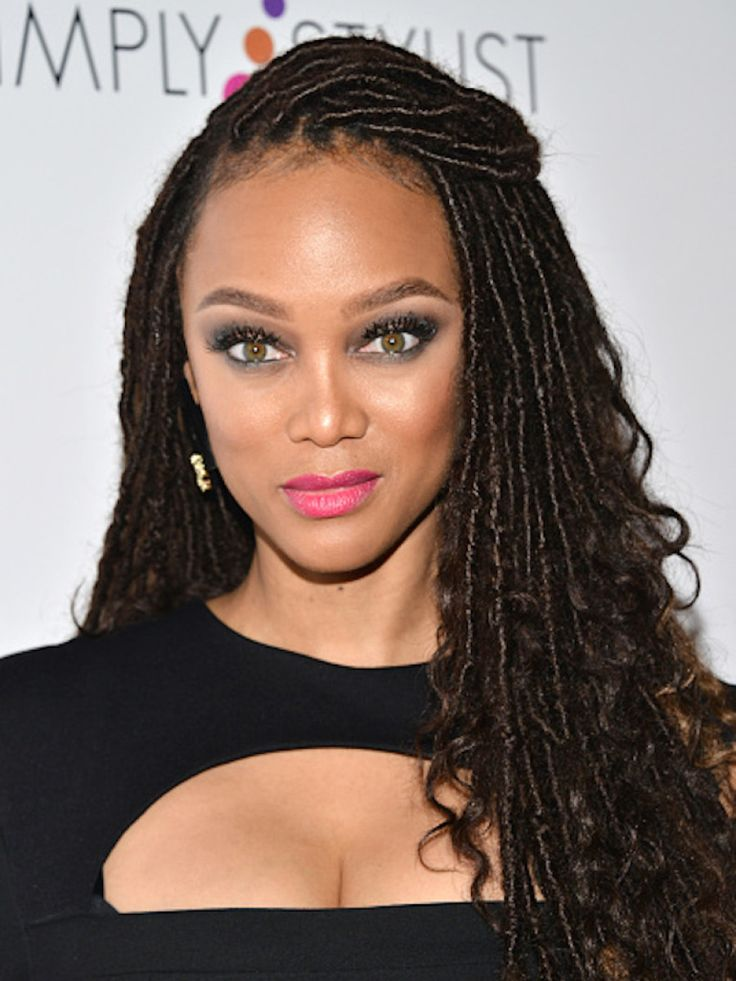 Tyra Banks Gets In On Faux Locs Trend! Tyra tried out a new and very unexpected look last weekend and it's the highly coveted Faux Locs trend! She stepped out at the Fashion Beauty Conference…