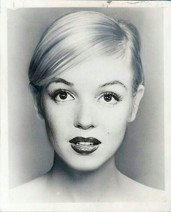 Marilyn - oh my gosh! I've never seen her so beautiful.