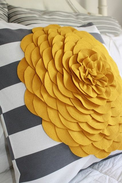 Grey with a pop of mustardGuest Room, Bathroom Design, Colors Combos, Kitchens Design, Bedrooms Colors, Flower Pillows, Living Room, Felt Flower, Yellow Flower