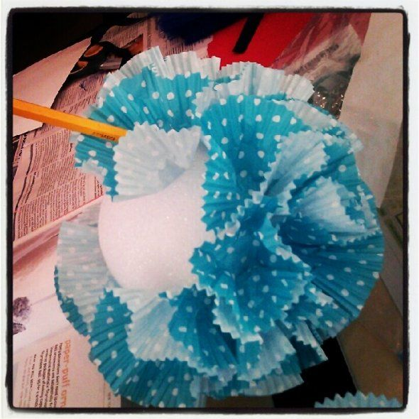 how to make tissue paper poms How to make tissue paper pom poms, which are a perfect decoration for all kinds of celebrations i love using them for birthdays.