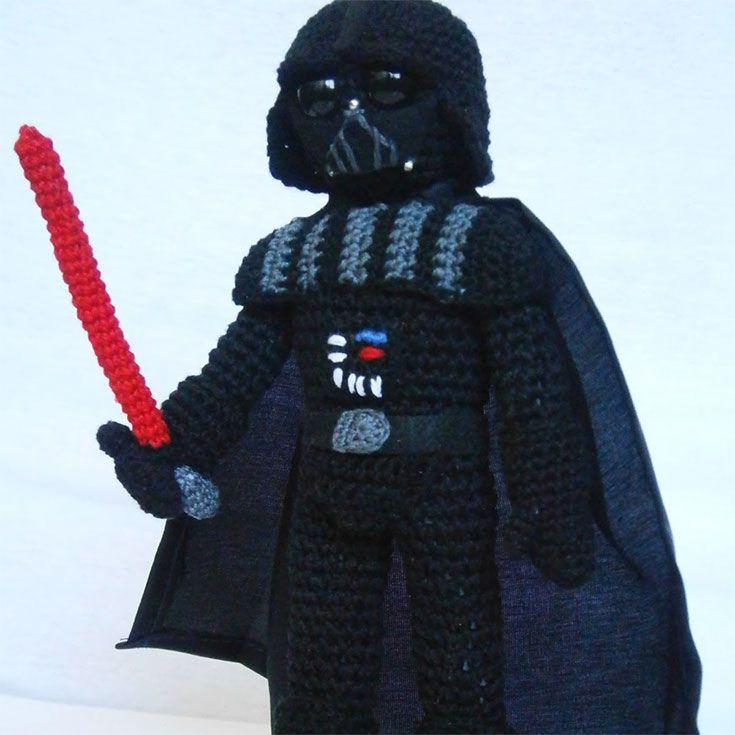 Free Darth Vader Star-Wars amigurumi pattern. http://wixxl.com/darth-vader-amigurumi/