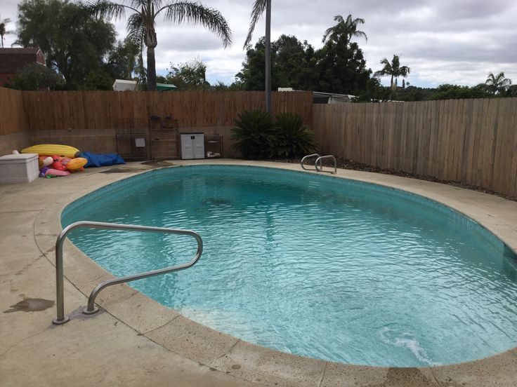 how to raise cyanuric acid in swimming pool