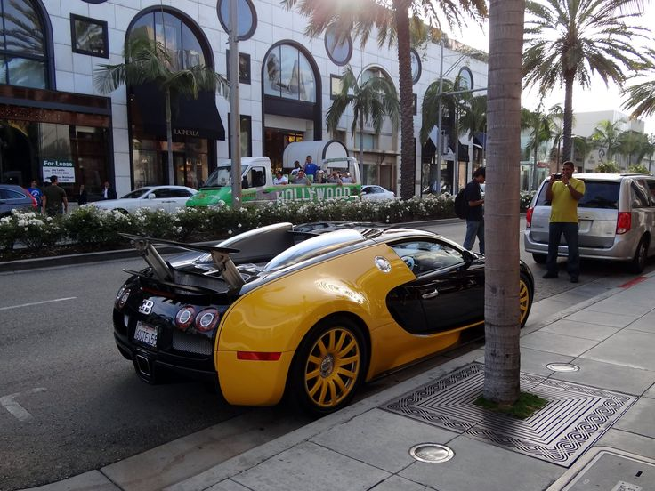 "Bugatti Veyron ""Bijan"" Special Edition rear three-quarters"