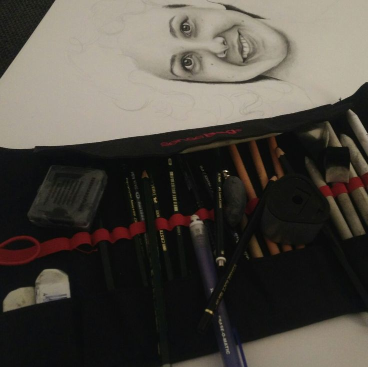 pencildrawing v manuelah