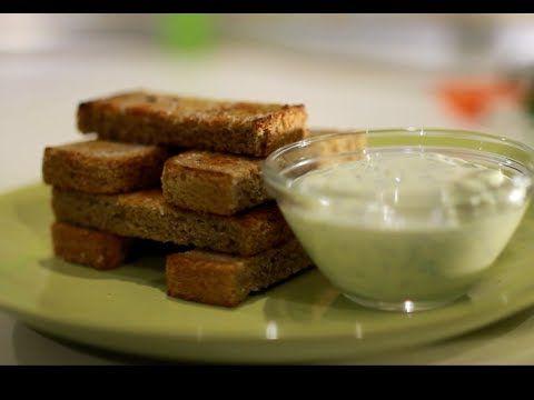 Чесночные гренки с соусом и сыром (закуска) - YouTube