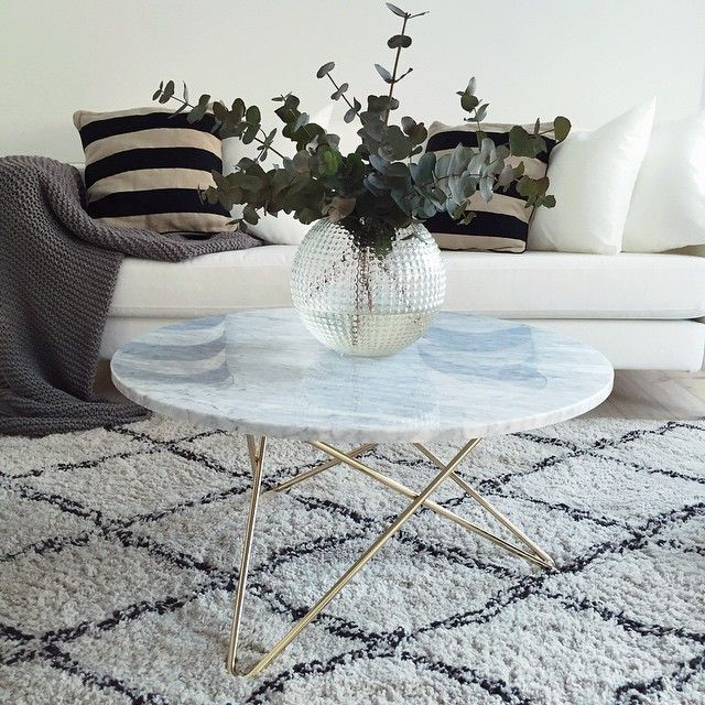 Totally in love with our new coffee table from @oxdenmarq. Find more pics on the blog (link in profile).