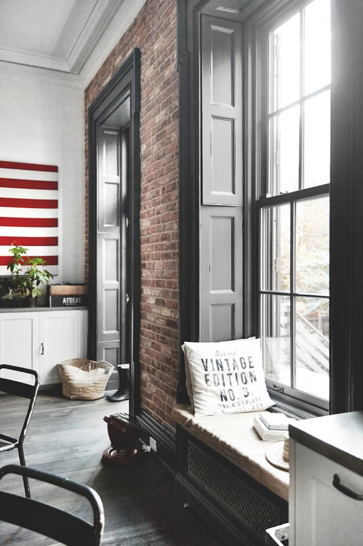 17 best ideas about townhouse interior on pinterest brooklyn brownstone ve - Deco interieur style industriel ...