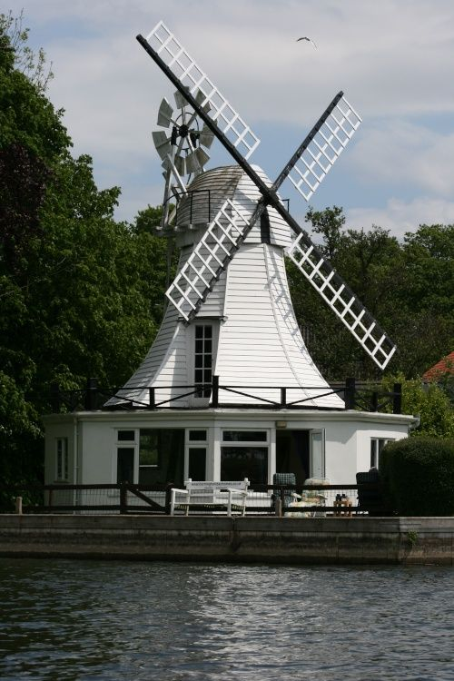 Windmill cottage on the water   Horning, Norfolk   Pictures of England   Photo by Perry Castagnoli