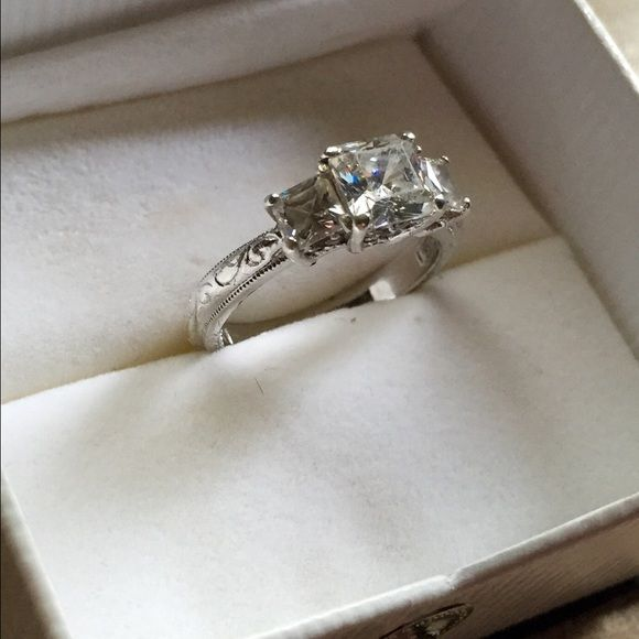 Tacori high quality CZ Sterling silver ring Beautiful I couldn't capture all its brilliance Tacori Jewelry Rings